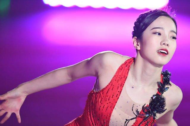 プリンスアイスワールド2017日光公演。本田真凜が新SPのタンゴを初披露。真っ赤な衣装で華麗に舞う