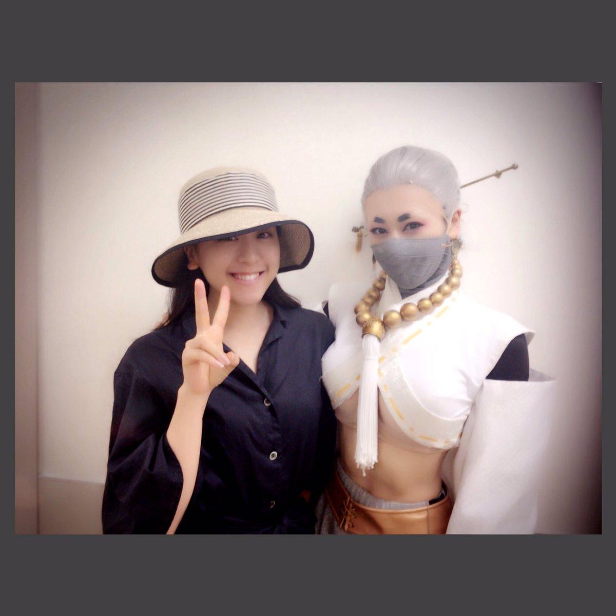 浅田舞が出演する舞台公演を浅田真央が観劇。セレブ感漂う清楚な姿にファンも大興奮