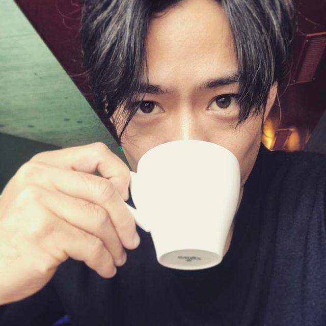 高橋大輔がコーヒーのフォトコンテストイベントに参加。試飲イベントも開催