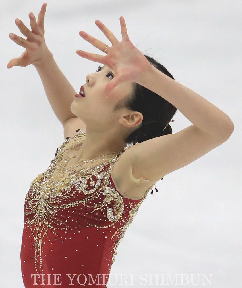 シニアデビュー戦で優勝を飾った本田真凜。高地での戦いに演技後酸欠でふらつき「途中から覚えていない」