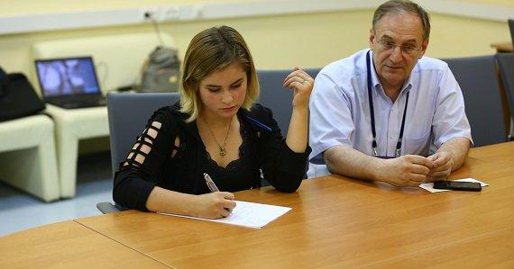 リプニツカヤが正式に引退。ロシアスケート連盟の首脳陣と会談し書類にサイン