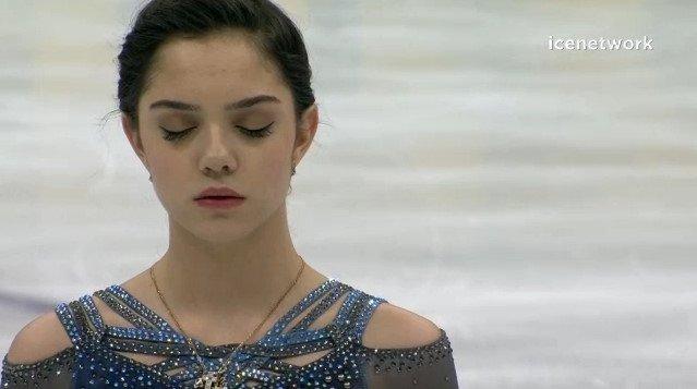 ロシア杯2017。女子SPエフゲニア・メドベージェワが圧巻の演技で首位発進。樋口新葉は3位、坂本花織は4位