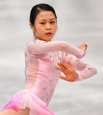 宮原知子が桜吹雪のピンク衣装で復活「この大舞台に戻ってこられたことに感謝」