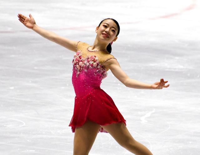 フィギュアスケート西日本選手権で紀平梨花がトリプルアクセル2本成功。浅田真央さんより高難度構成
