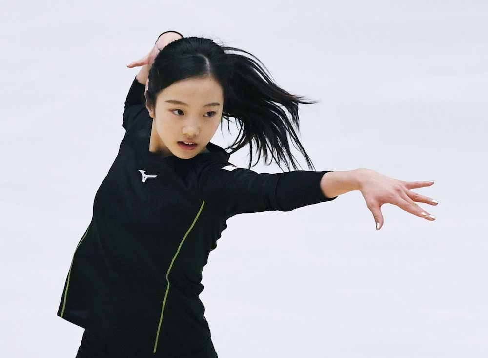 本田真凜 左臀部の痛み「大丈夫」 非公式練習で氷の感触確かめる