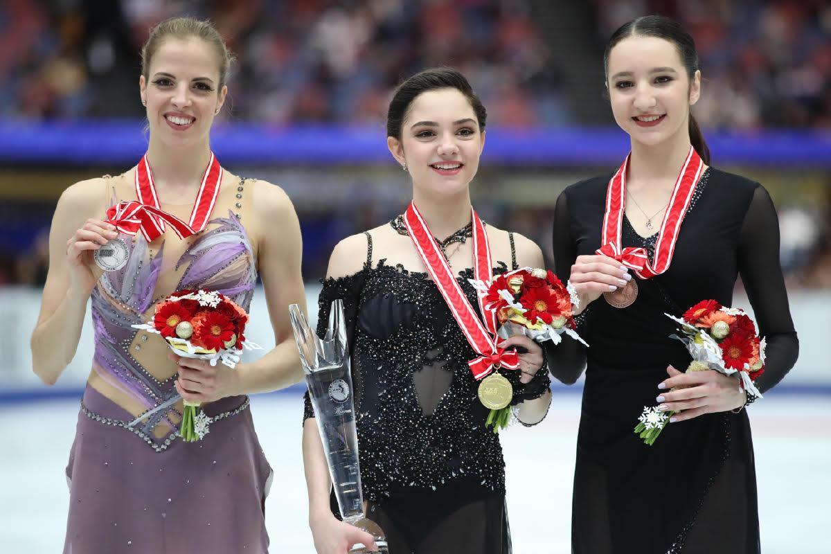 NHK杯2017。エフゲニア・メドベージェワが優勝でファイナル進出決定。宮原知子は5位。日本女子17年ぶり表彰台逃す