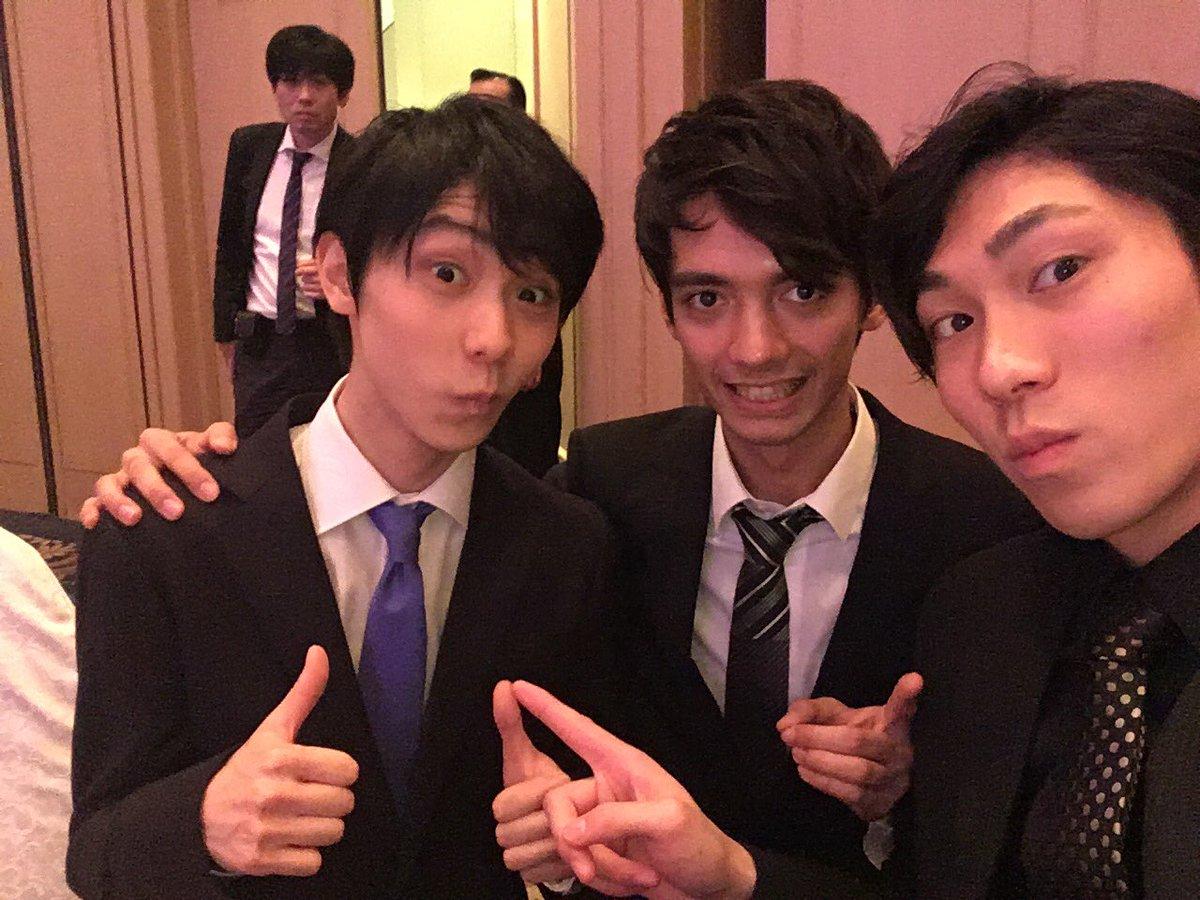 田中刑事選手の誕生日を日野龍樹選手が祝福。同級生トリオの写真を投稿しコメント