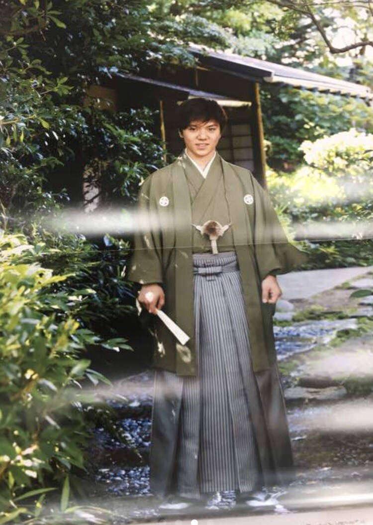 家庭画報2018年新年号。大人っぽい宇野昌磨選手の袴姿を公開。