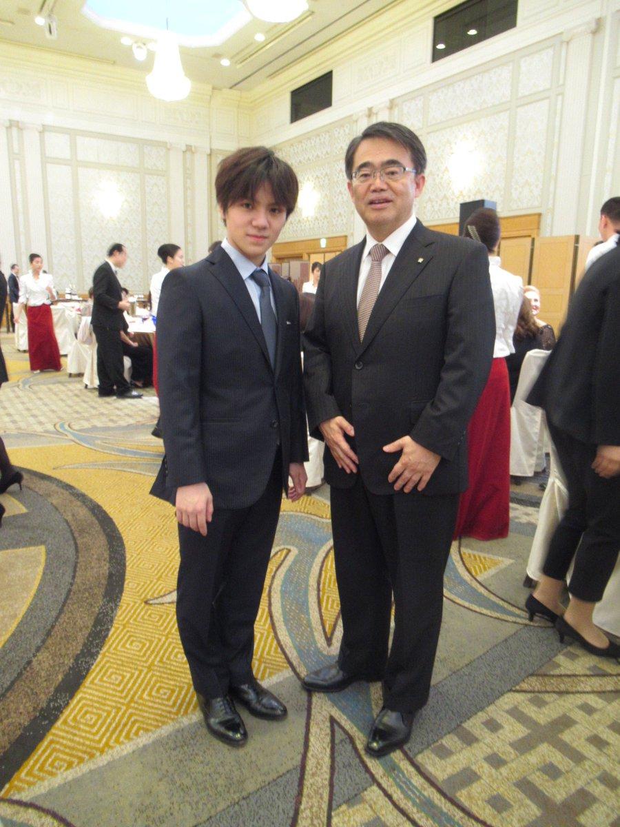 愛知県の大村知事と河村市長がGPファイナルで銀メダルを獲得した宇野昌磨選手の健闘を称える