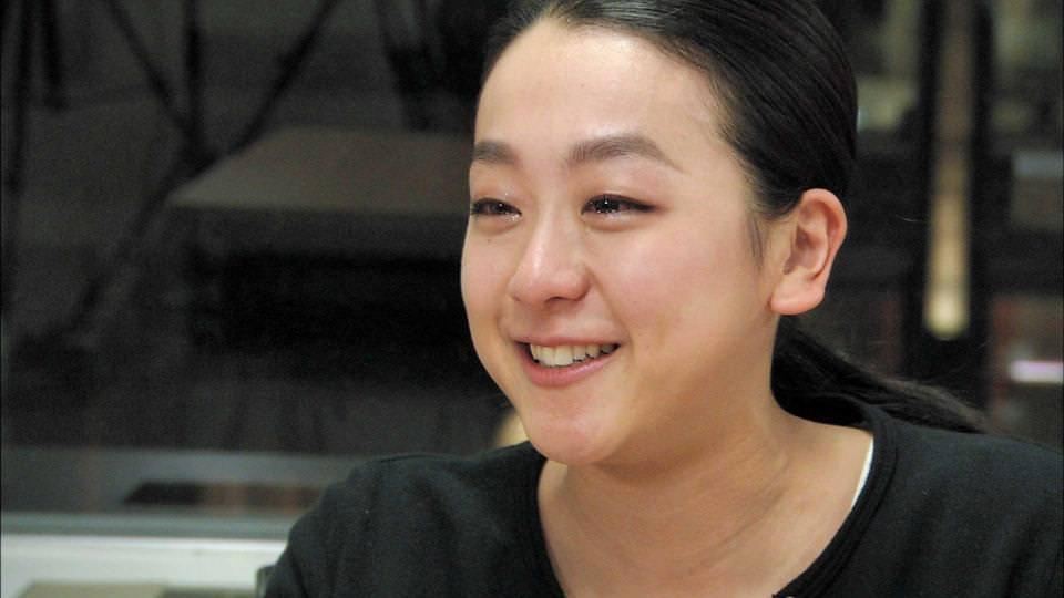 浅田真央が大みそかの特番に生出演。ミリオンセラーアーティストの生歌で一夜限りのスペシャル演技を披露