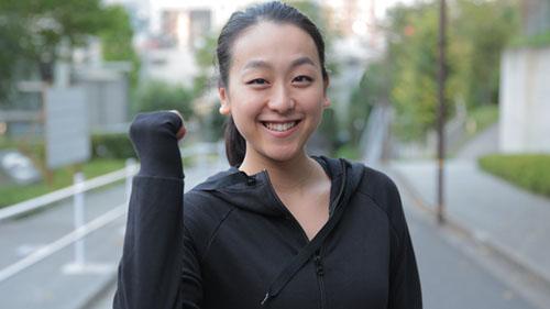 元フィギュアスケーターの浅田真央さんが姉・舞の手作りおにぎりの差し入れ振り切って初マラソン完走!