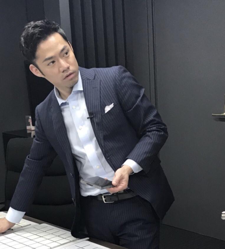 高橋大輔氏の久しぶりのスーツ姿がかっこいい!と話題に!