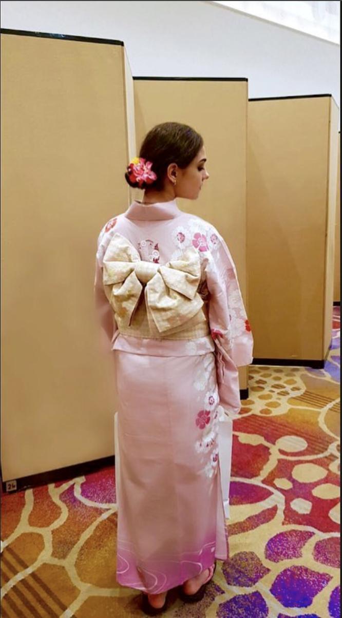 """メドベージェワ、浴衣姿で""""美しき横顔""""公開に海外ファン恍惚「君はいつも花だよ」"""
