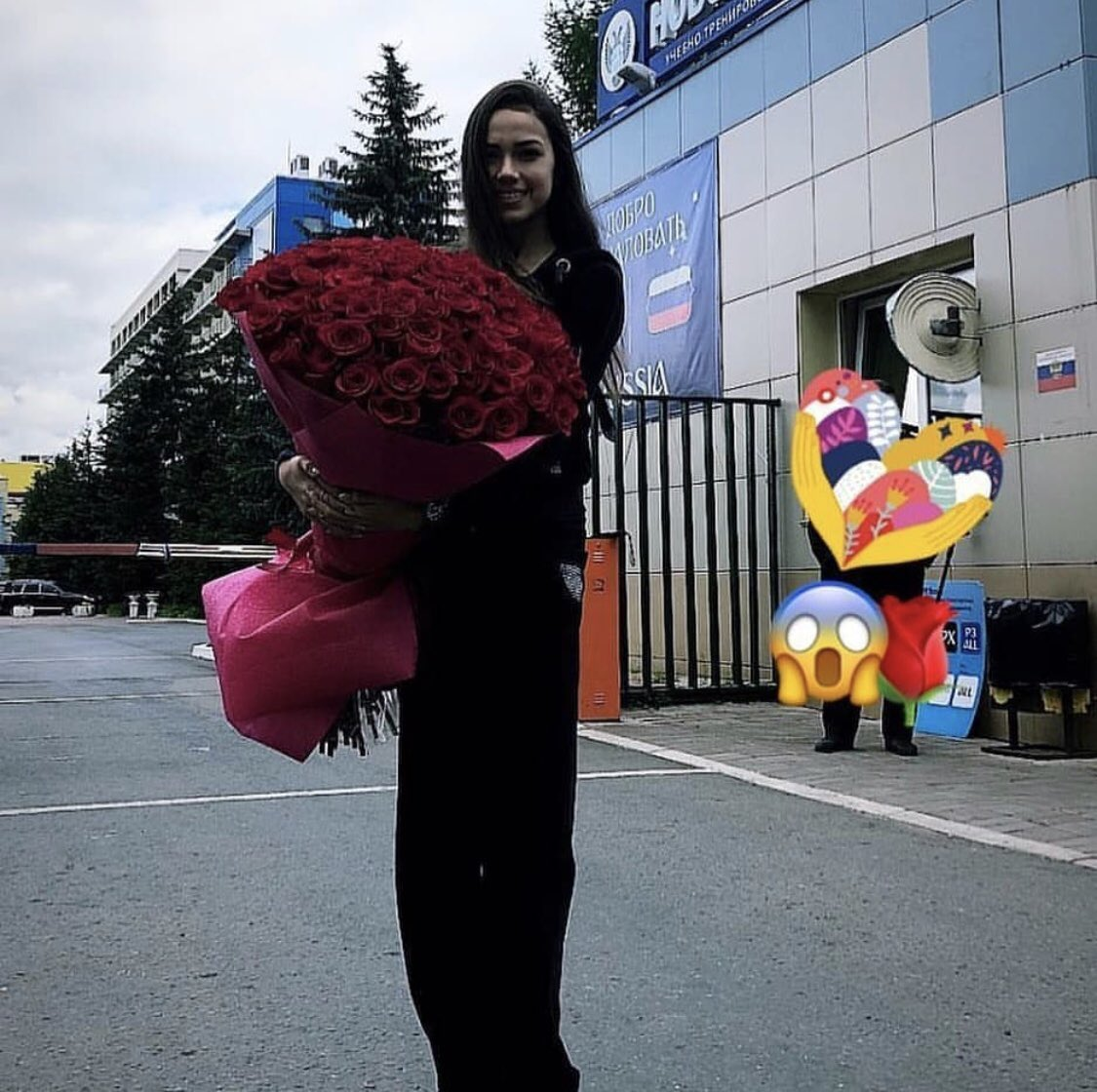 ザギトワが立派なバラを持ってる!→そんな事より脚長! 女版羽生だ!