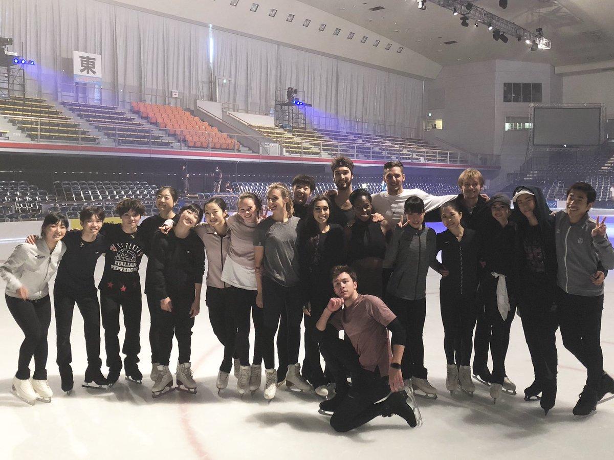 明日から THE ICE 名古屋公演! 織田信成が集合写真を公開!