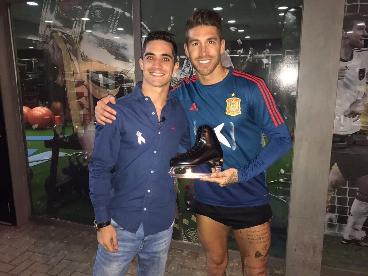 ハビエル・フェルナンデスがサッカースペイン代表を豪華ショットを投稿!