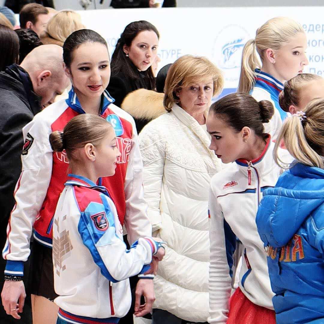 【ロシア女子】ザギトワと同い年か一学年違いくらいのロシア女子って誰がいる?→この写真で面白いよねw