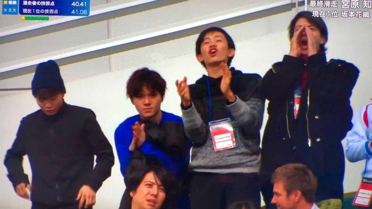 女子の応援に日本男子メンバーが!→その中にランビが普通に溶け込んでるwww