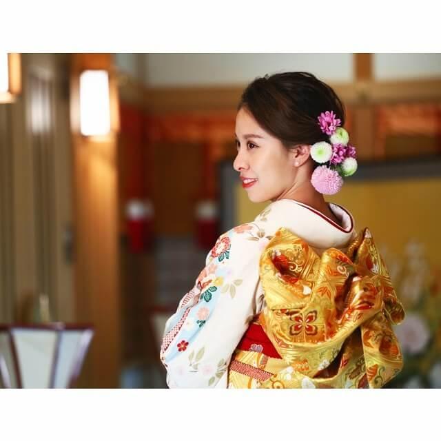友野一希はスーツ姿、松田悠良は振袖姿で成人式に!それぞれ凄く似合ってると話題に!