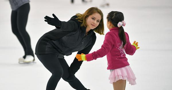 リプニツカヤやイニリフらなどがスケート教室の為に来日!