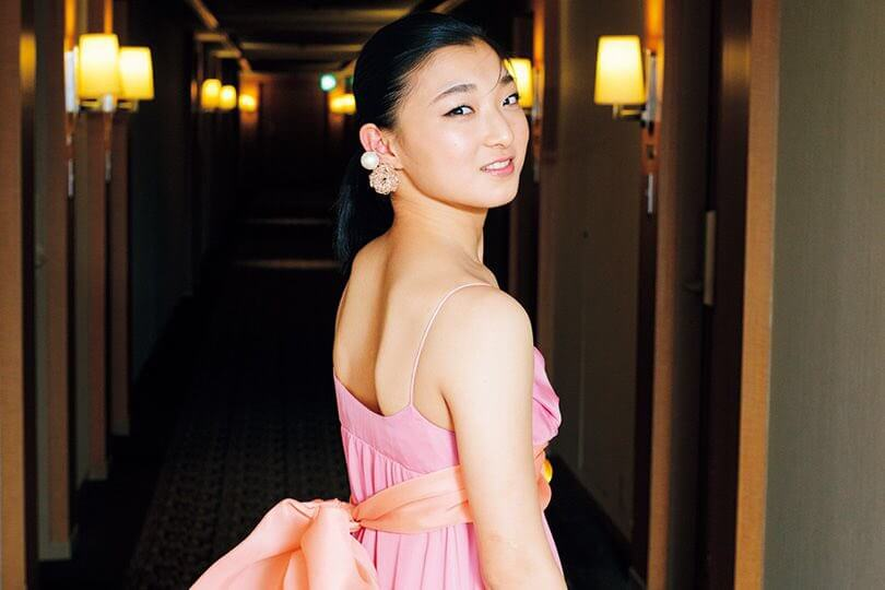 坂本花織が2/25発売のGQ JAPANに登場! 綺麗なドレス姿!
