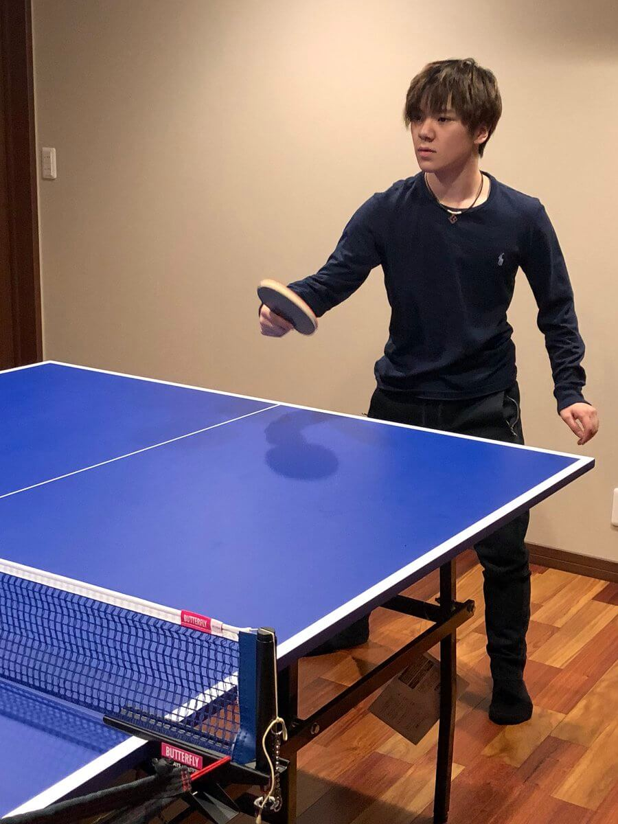宇野昌磨が練習後に卓球の練習をしている画像がアップ!楽しそう!