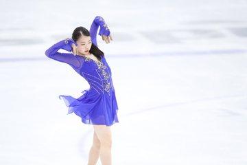 【紀平梨花】オータムクラシック公式練習で青にゴールドのラインが入った新衣装をお披露目!!