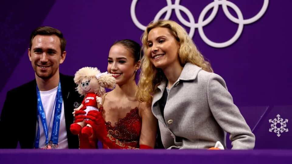 オリンピックチャンピオンの アリーナ・ザギトワ が技術と芸術の戦いを明らかに!