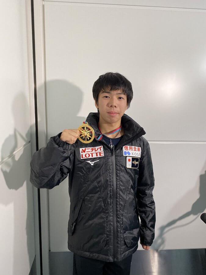 ジュニアGPファイナルVの 佐藤駿 が帰国! 次戦の全日本で「羽生選手と同じグループが目標」