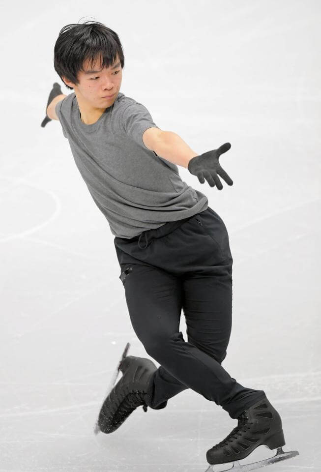 ジュニアグランプリファイナル 男子シングル・鍵山優真 & 佐藤駿 が公式練習! 4回転着氷で仕上がり上々