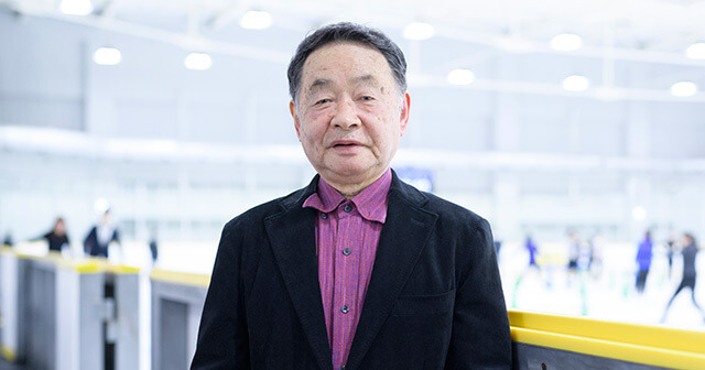 都築章一郎 は佐野稔 羽生結弦らを育てた伝説の名コーチ! …そして、佐野が銅メダルを獲得した世界選手権から25年あまり。都築は再び運命的な出会いを果たした。それが羽生結弦だった…
