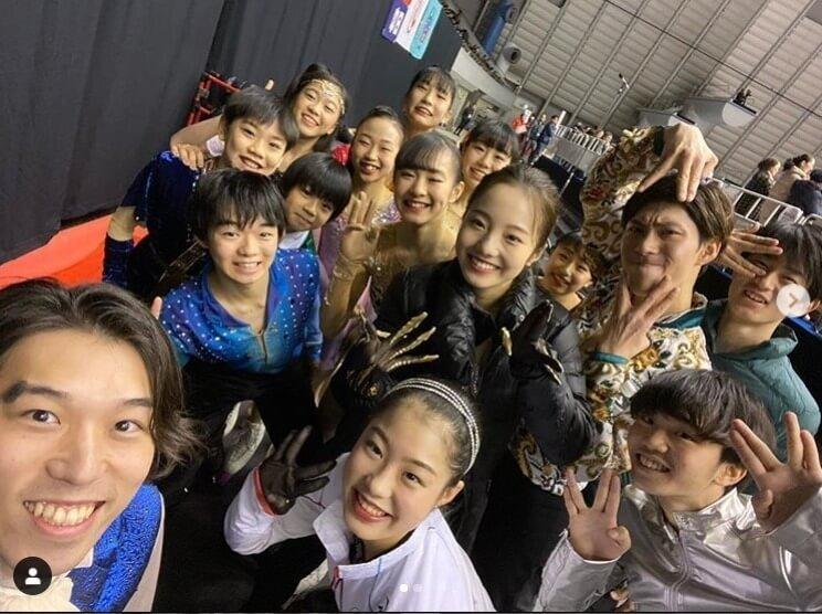 プロスケーターの 無良崇人 氏がインスタグラムで公開した「名古屋フェス15人集合写真」に反響が集まる! 現役時代と変わらぬ無良氏の人気ぶりを裏付ける形に。