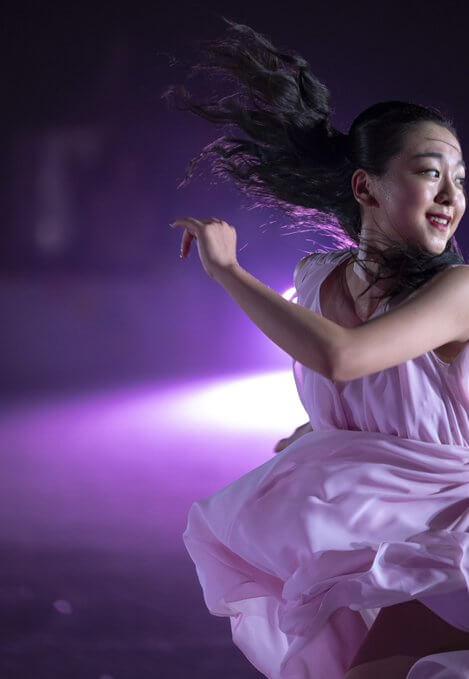 浅田真央 が文藝春秋 名物グラビアページ 「日本の顔」に登場! …スケートを取ったら、自分には何も残らないから…