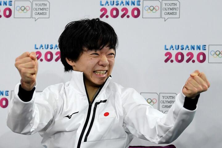 Olympic Channel ユース五輪優勝の鍵山優真のコメントを紹介! 先輩メダリストたちを「一言」で表すと… 羽生結弦 は「最強」、高橋大輔 は「レジェンド」。