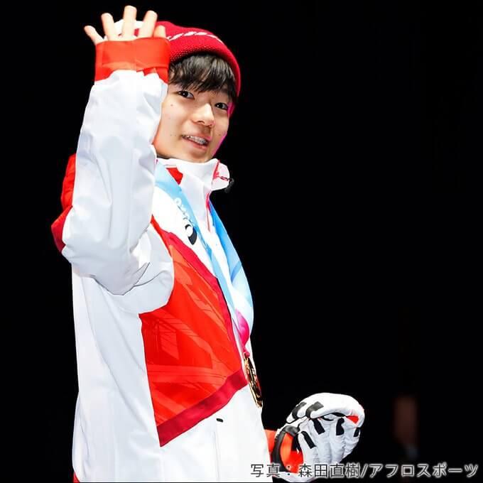 鍵山優真 全日本選手権3位、ユースオリンピック優勝! 破竹の勢いで進化を続ける16歳。 好きなキャラクターはスヌーピー、仲間からの愛称はゆまち。