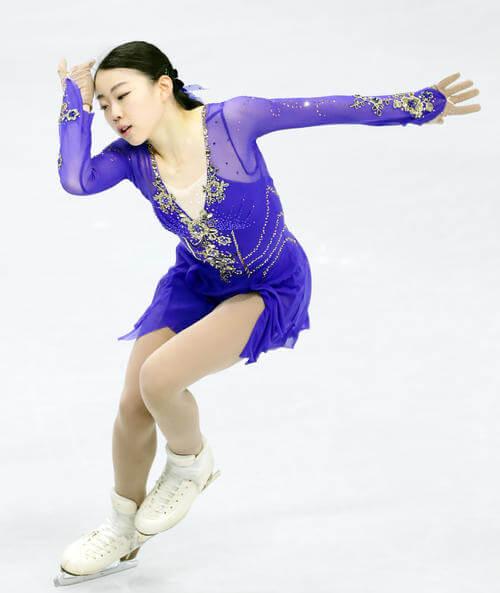 紀平梨花、昨年10月のスケートカナダ以来、封印してきた「吉兆の青」で好発進狙う!