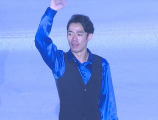 高橋大輔、生まれ育った岡山県で聖火をつなぐ!  …「生まれ育った県でたくさんの方にちょっとだけ走る姿ですけど、見てもらえるというのもすごくうれしいことですし、地元の方だったり応援してくださってた方々にちょっとだけでも恩返しできるかなと思います」…