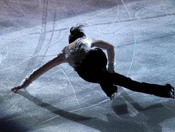 """""""ゆづ""""羽生結弦の2019~20シーズンを振り返る写真集発売!  …6試合密着で144ページ…"""