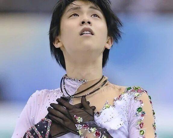 こういうのも2次元み!  …「福岡GPF」「手が美しい」…