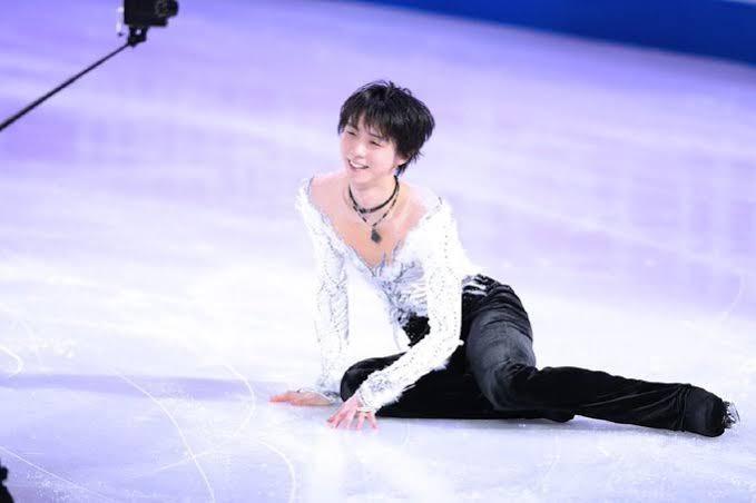 降臨しました!  …「氷と戯れる五輪チャンピオンさま」「地上に落ちてきた天使だっけ?」…