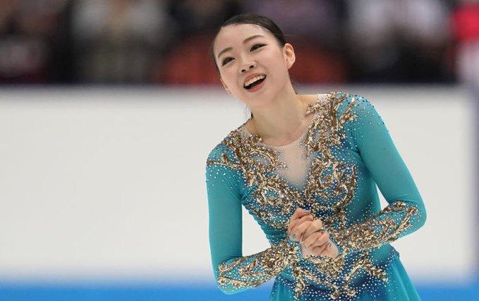 紀平選手のオーサー氏への移行にメドベージェワがコメント!  …「変な話」…