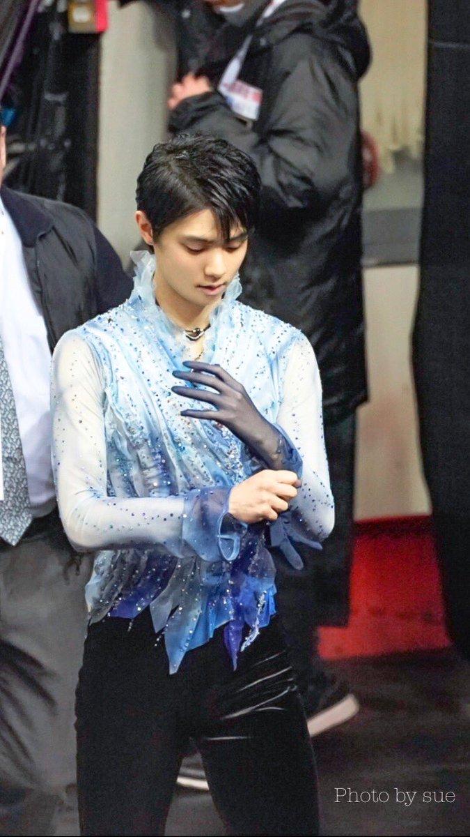 透け手袋っていい!  …「手の美しさよ」「絵画かな」…