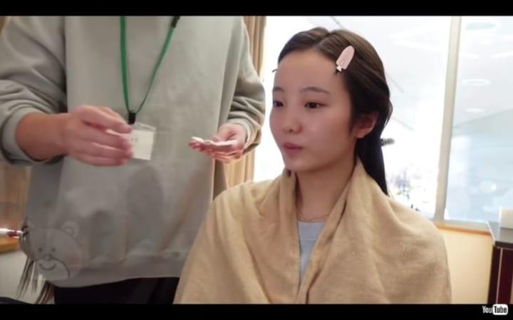 本田真凜、公開したメイク動画がすっぴん状態ですでに肌ツヤツヤ!  …「全くメイクする必要ないと思う」…