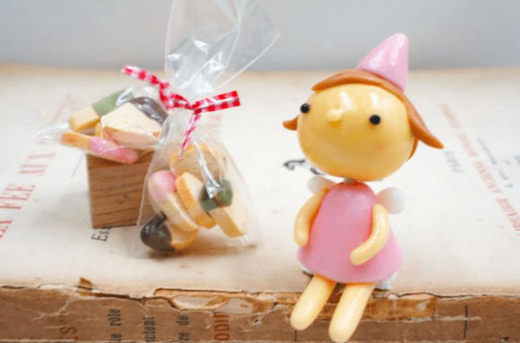 コッペパン専門店・コッペ・プリュス、商品名のネーミングコンテストを実施!  …織田信成さんの「ラッペちゃん」はラスクのキャラクターの名前に…