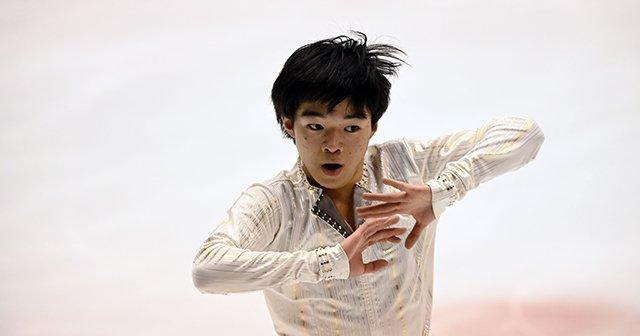 北京五輪でメダルを獲るために…鍵山優真が国体の公式練習で見せた、新・4回転ループの真価とは