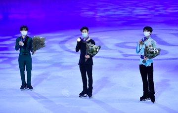 【世界フィギア2021】男子 鍵山優真2位、羽生結弦3位、宇野昌磨4位!  …日本は北京冬季オリンピック出場の最大3枠を獲得…
