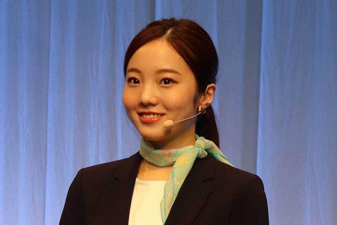 本田真凜、「アングル完璧」ショット公開 ファン絶賛「モデルみたいやなぁ」
