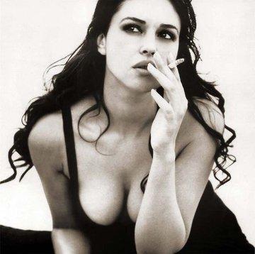 アリーナ・ザギトワ、イタリア出身の女優 モニカ・ベルッチ とお顔の系統が似てる!?