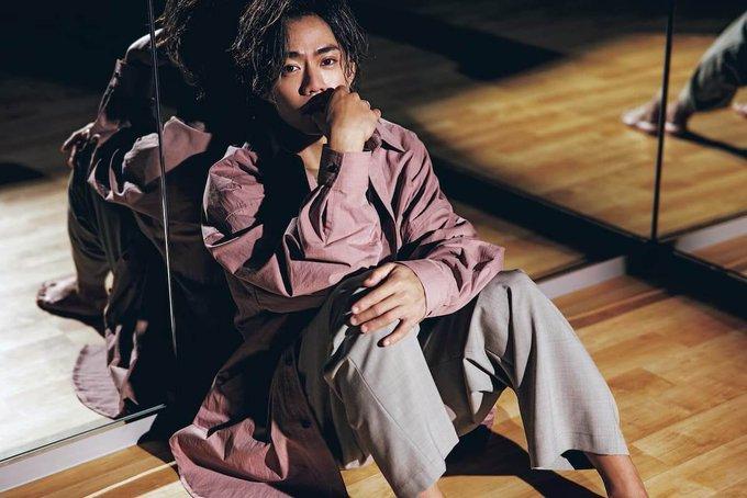 【記事】高橋大輔、ファッション誌『Oggi』で魅せる「挑戦し続けるメダリストの背中」
