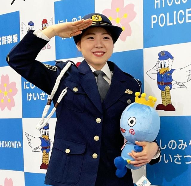 【動画】紀平梨花さん「ポーズは100点」NG連発も和やかに 交通安全動画を撮影